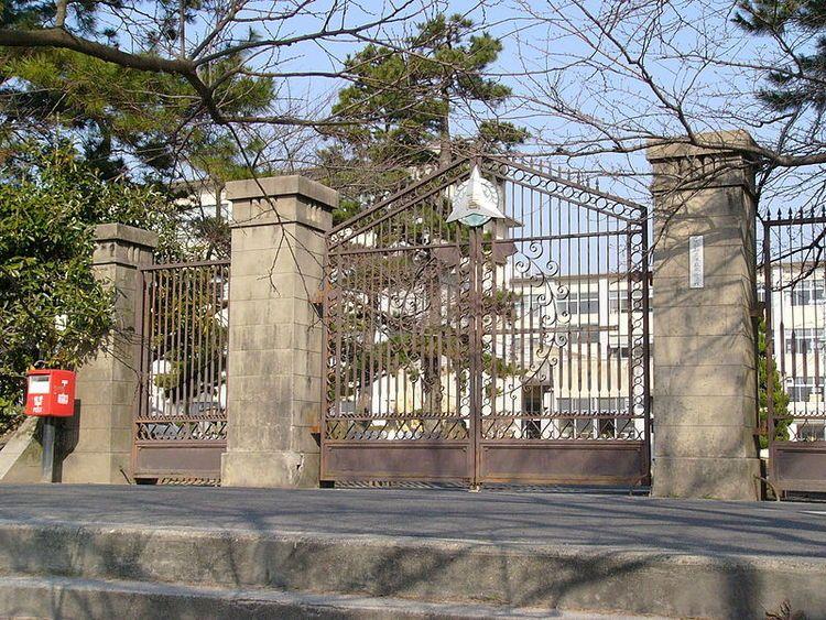 津島高等学校画像